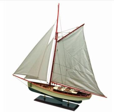 Highly detailed model yachts from 30 to 100 cm